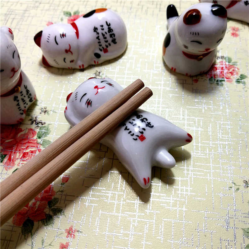 1Pcs Cartoon Chopsticks Rest Lucky Cat Chopsticks Holder Lucky Cat Ceramic Racks Japanese Home Kitchen Hotel Decorations New