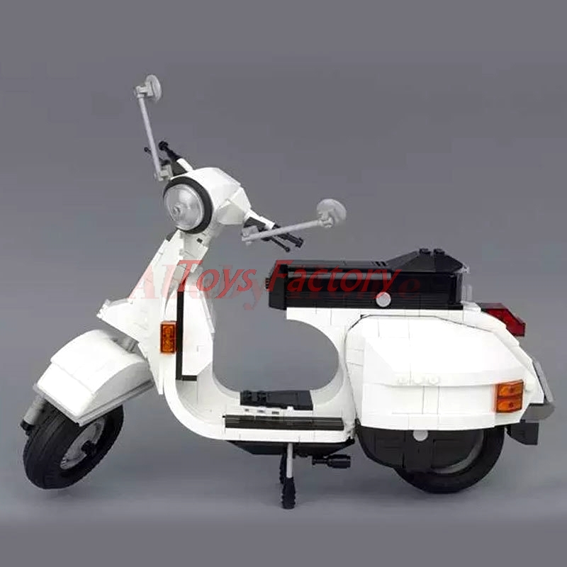 IN STOCK XingBao 03002 732Pcs Genuine Creative Technic Classic Series The Vespa P200 Moto Building Blocks Bricks Boy Model<br>