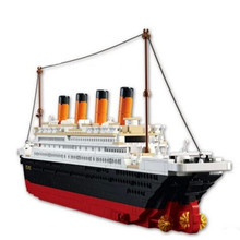 1012pcs Brand Compatible Plastic Titanic Ship Model Building Kit Educational 3D Boat Exhibit Bricks Blocks Toy for Children