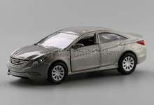 Champagne 1/35 New Hyundai Sonata 8th Generation Miniature Model Car Die casting Parts Korea Factory Scale Models