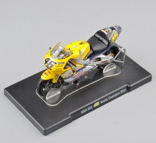 IXO-Altaya 1/18 Scale Diecast Motorcycle VALENTINO ROSSI NSR 500 46# World Champion 2001 Racing Bike Model Collections