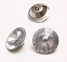 10000 pieces 22 mm Crystal Plastic Buttons And 25 mm 10000 pieces Acrylic Buttons Nails Studs Furniture Sofa Upholstery Pins(China)