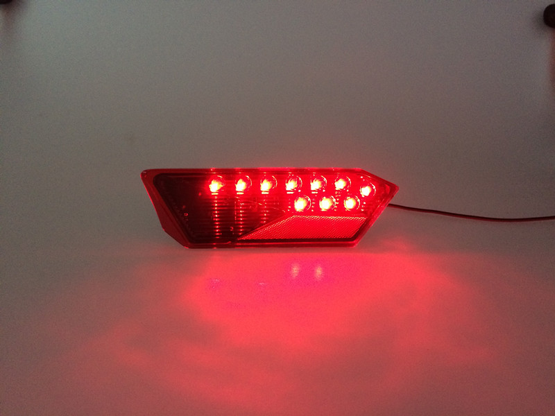 Polaris 1000 tail light 01