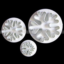 Hot sellFree Shipping 3 Pcs Snow Flake Plunger Chrismas Fondant Cookies Cutters Modelling Mould Paste SugarCraft Decorating