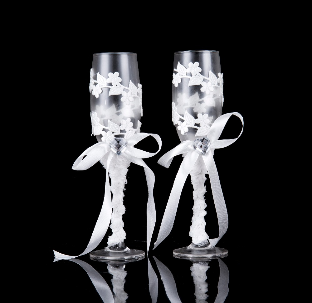 A pair of crystal champagne glasses for wine whiskey beer drink,wedding glassware,stainless steel flute for bride and groom(China)