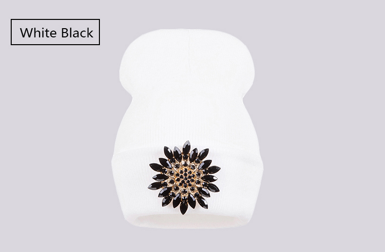 Ralferty 2018 Winter Hats For Women Knitted Luxury Flower Crystal Beanies Hat Female Skullies Caps Black Streetwear Gorras Gorro 12