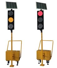 2017 New Stable Quality Flash Traffic Light Portable with Solar Panel