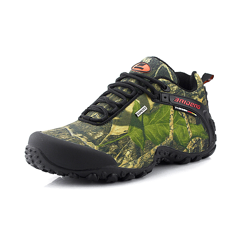 The new waterproof canvas hiking shoes Anti-skid Wear resistant breathable fishing camping climbing rubber sole shoes<br>