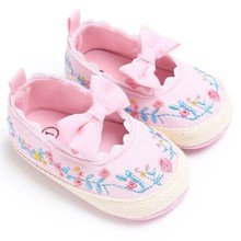 China Brand Classic Girl Baby Princess Shoes Cute Embroidered Canvas Toddler Crib Slippers Infant Soft Sole Bebe Girl Size 3 4 5