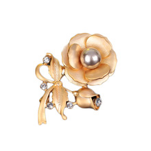 Rose rhinestone Flower Brooch Imitation Pearl Brooch jewelry gift for Valentine's Day Accessories costume brooches