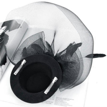 MAKE Hot Ladies Mini Top Hat Costume Hair Clip w/ Veil and Flying Feather - Black
