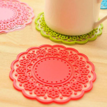 Random Delivery! Creative Cute Flowers Shape Anti-Skid Anti-Hot Useful Silicone Cup Mats Personalized Household Supplies