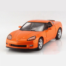 KINSMART 1:36 Simulation Corvette Z06 Doors Openable Cars Toys For Children, Diecast Metal + ABS Pull Back Toy Car Brinquedos