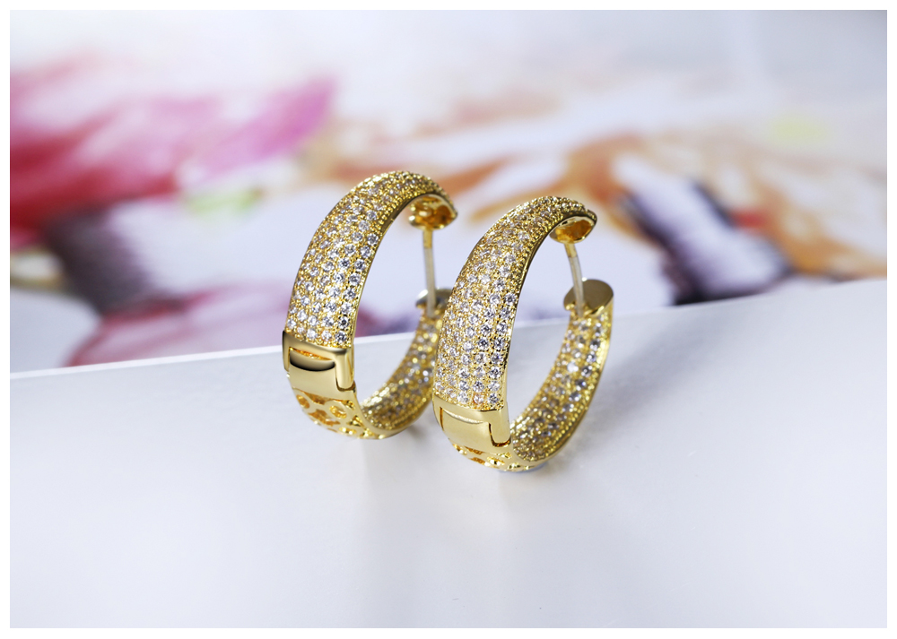 gold hoop earrings 02