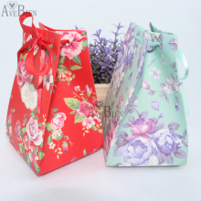 New Arrival Candy Box Party Gift Bags  Paper Sweet Box Wedding Stage Decoration Favour Boxes Baptism Candy Container 50pcs/lot