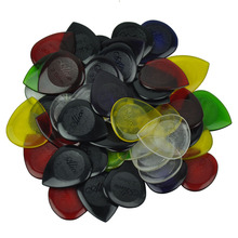 Lots of 50pcs 2mm Standard Heart Guitar Picks Plectrums For Electric Guitar Jazz Assorted Colors(China)