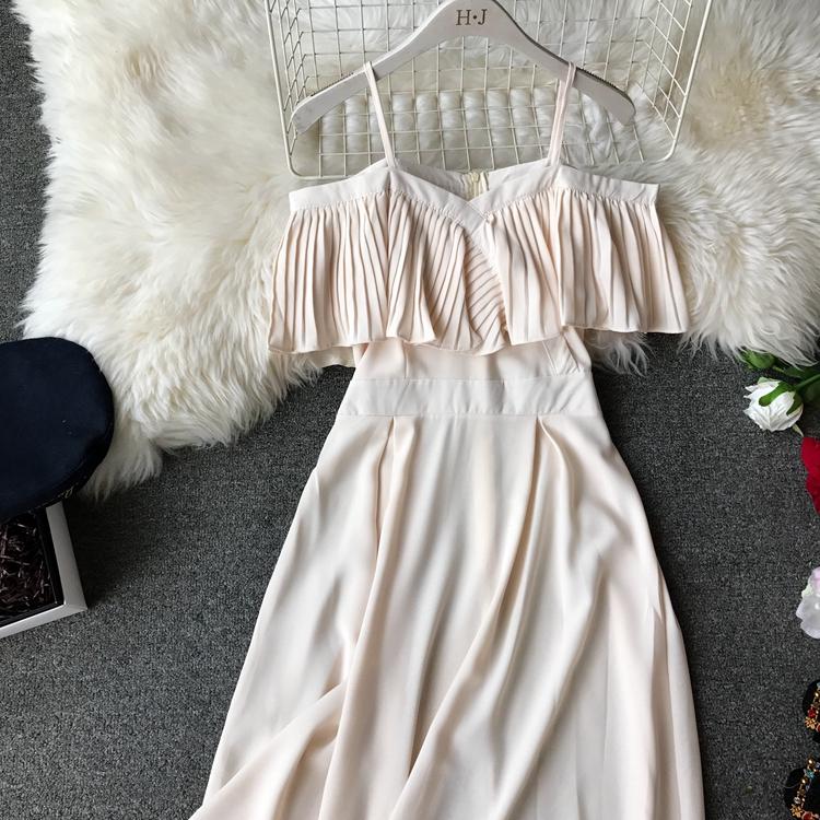 2019 Spring Women Chiffon Pleated Braces Sling Spaghetti Strap Goffer Long Dress Ladies Ruffles Empire Drapped Swing Slip Dress 200