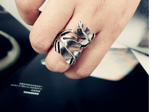 General Sweet Fresh Leaves Ring  Finger Ring Women Leaf Quality Metal Fashion Rings