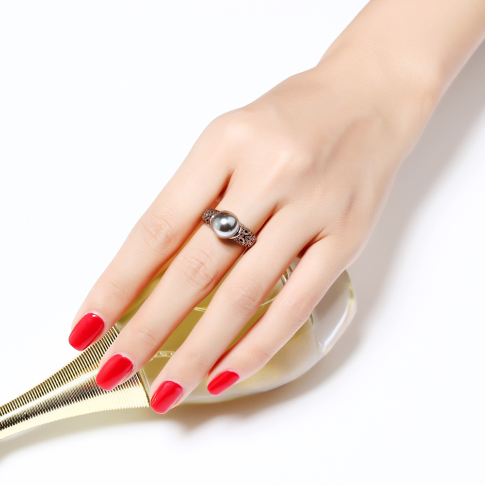 ring with gray pearl (1)