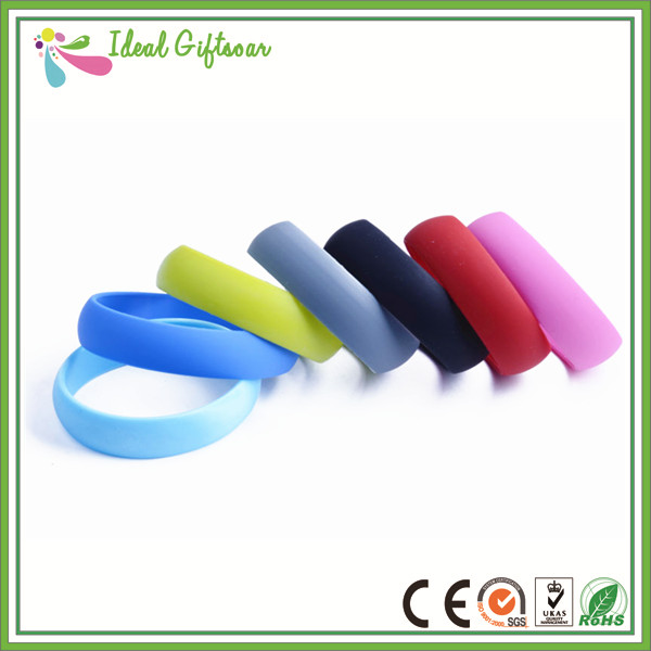 Wholesale-Cheap-Custom-Sports-Silicone-Glow-Wristband (1)