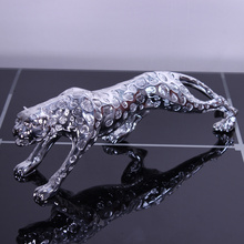 Resin Leopard Sculpture Electroplated Panther Gift and Craft Ornament Accessories Embellishment for Home and Office Decoration