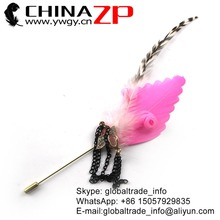 CHINAZP Factory Beautiful Costume Decorations Pink Trimmed Goose with Natural Grizzly Feathers Chain Brooch Pin