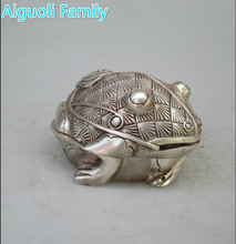 Collectible Home Decorated Chinese Old Handwork Tibet Silver Carved Frog Statue/Antique antiques sculpture(China)