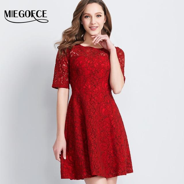 Новая коллекция от MIEGOFCE Нарядное платье Кружевное женское платье имеет круглую шею рукав до локтя также можно носить в офисном варианте