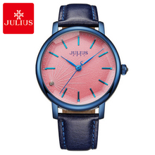 6095a6a7fd9 Novas Mulheres Se Vestem Moda Casual Quartz Rodada Grande de Aço Bom  Presente Relógios Elegante Relógio de Couro Real Marca de L..