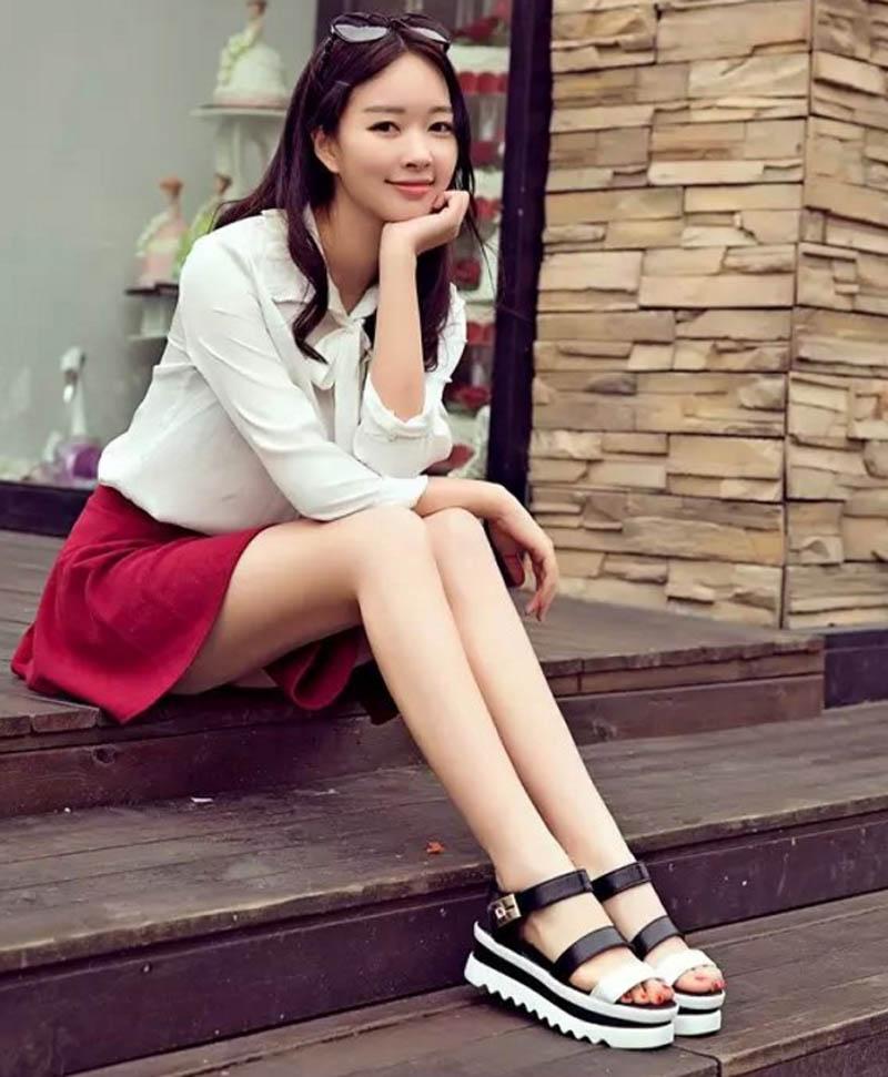 2017 New Black White Platform Sandals Women Summer Thick Bottom Womens Sandals Round Head Students Sandals Platform Shoes<br><br>Aliexpress