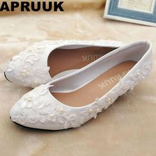 White lace pearls wedding shoes bride fashion new design handmade sweet lace pearls bridal shoes bridesmaid pumps plus size(China)