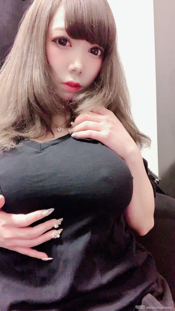 速来围观!日本一夜爆红的I奶出租女友NANA队长爱爱片流出!