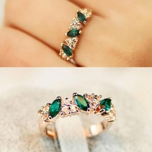 G292 New Fashion Sweet Feel Flash Imitation Green Crystal Rings Women Engagement Wedding Party Finger Ring Jewelry Bijoux Girls