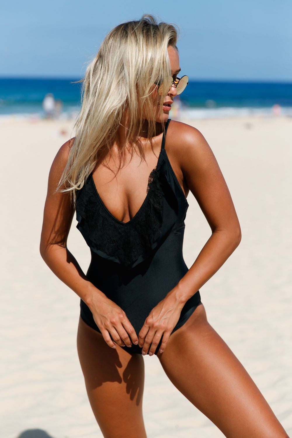 Black-Lace-Ruffle-One-Piece-Swimsuit-LC410220-2-3