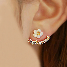 TOMTOSH 2016 Korean Fashion Imitation Pearl Earrings Small Daisy Flowers Hanging After Senior Female Jewelry Wholesale