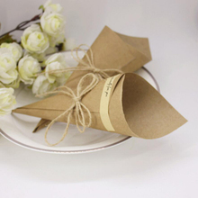50Pieces Kraft Paper Wedding Favors Flower Holder for Gift Candy Package Party Home Table Decoration