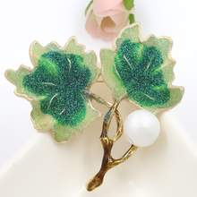 High Quality Assorted Colors Enamel & Glitter Simulated Shell Brooch Pins for Women