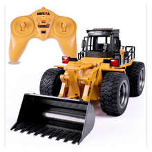 2.4G 6 CH Alloy RC Bulldozer Truck Cars with Light Remote Control Truck Model Bulldozer RC Truck Toys Car for Children Gifts(China)