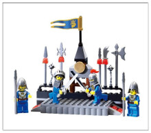 Free delivery of the new castle character assembly puzzle model toys 88pcs