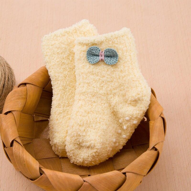 جوارب مبطن للاطفال لشتاء دافئ 9