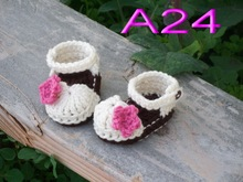 free shipping,Cute Handmade Crochet Crochet baby shoes , white Baby girl sandals with Rose red flowers size:0-12month(China)