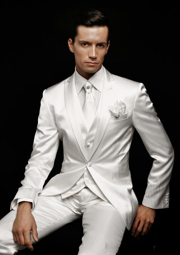 white Slim Fit Groom Tuxedos Peak Lapel Best man Suits Ivory Groomsman/Bridegroom Wedding/Prom Suits (Jacket+Pants+Tie+Vest