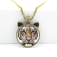 2017 New hot New Tiger Necklace Tiger Pendant Animal Jewelry Glass Cabochon Necklace Pendant CN-00465