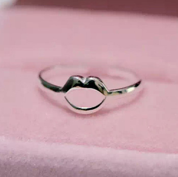Kinitial 1Pcs Fashion Lady Mouth Sexy Lips Shaped Rings for Women Adjustable 925 Silver Rings Wedding Jewelry Drop shipping