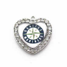 Hot selling 10pcs/lot heart Sports MLB Seattle Mariners white crystal glass Dangle Charms for Pendant floating charms jewelry(China)
