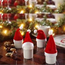 10pcs/set Red Santa Hat Cup Mini Santa Bottles Cover Christmas Gift XMAS Home Decoration Wine Bottle Cover 8 * 6.5 cm  EJ879415