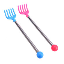 2017 Hot Back Scratcher Claw Extendable Back Scratcher Portable Adjustable Size Telescopic Itch Scratch Tool Color by Random