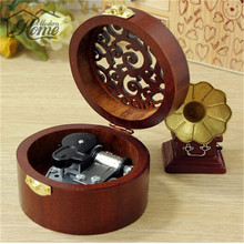 Hot Wooden Music Box Vintage Hollow Out Wind Up Musical Finished Open Stylish Pattern Lid Jewel Crafts Exquisite Home Decoration