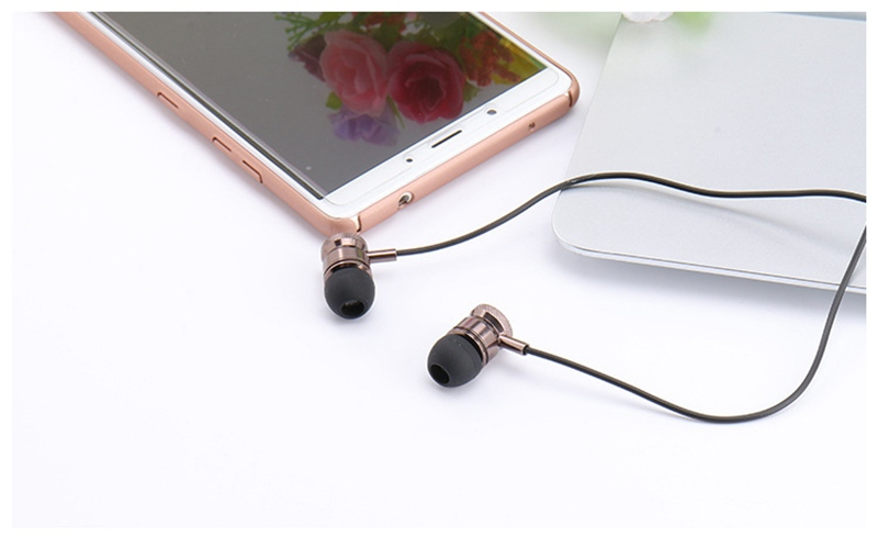 Betreasure Metal Stereo Earphone Sport Running Headset Super Bass Earphone Earbuds Handsfree With Mic For Mobile Phone