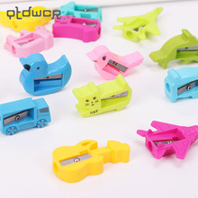 8PCS Novelty Cartoon Pencil Cutter Knife Cute Animal Plastic Pencil Sharpener School Supplies Papelaria(China)